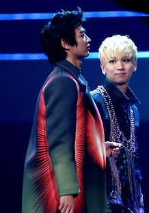 Does not Minho look totally fat?!