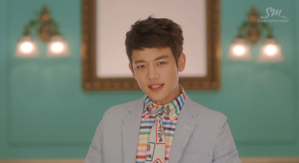 Minho finally figured out how to position himself so his ears are not as awkward (see Hello, Lucifer). Hallelujah.